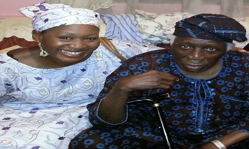 Kemi with her dad, former Governor of old Oyo State, Victor Omololu Olunloyo during his 78th birthday in 2013.
