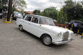 Dino Melaye's vintage Benz, sideview
