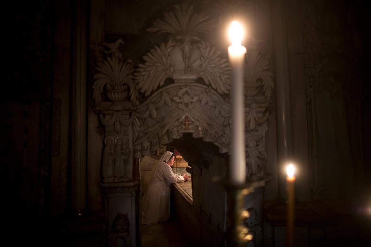 02_church_holy_sepulchre-adapt-1190-1