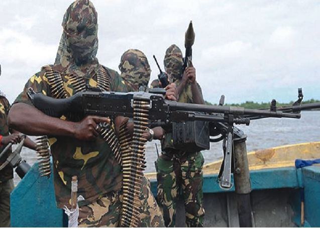 Militants blow up export line, crude production threatened