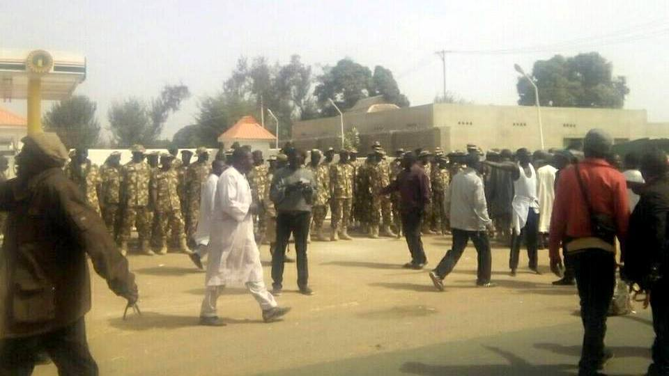 soldiers surround Shiite gathering in Kaduna