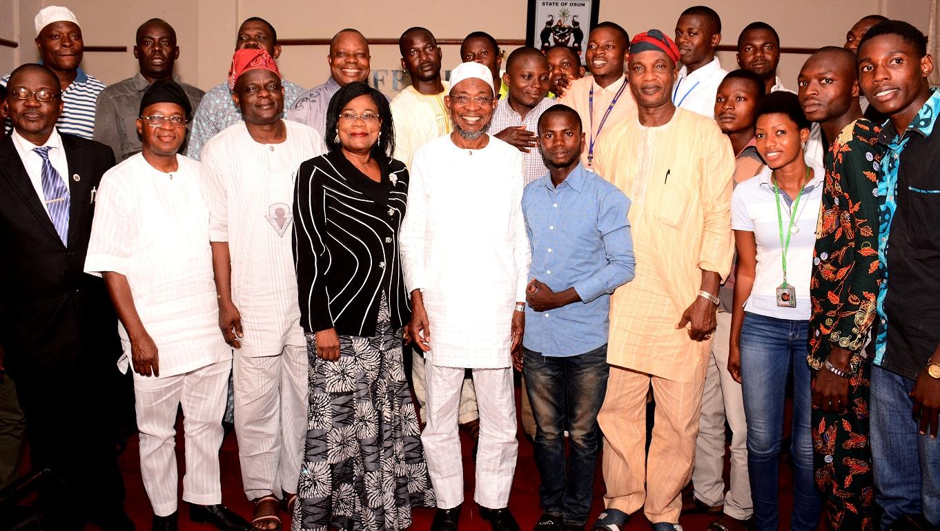 aregbesola-hosts-naoss-executives-1