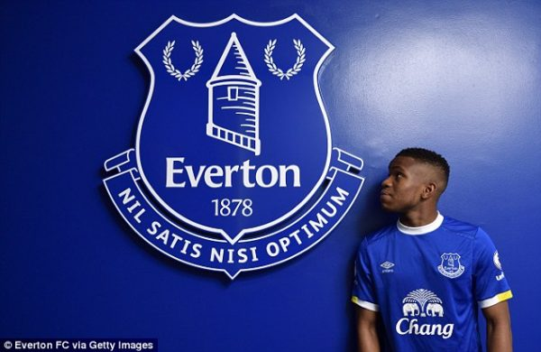 3bdf134f00000578-0-lookman_has_signed_a_four_and_a_half_year_contract_keeping_him_a-a-129_1483626106573