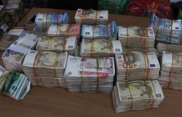 Pounds To Naira Black Market >> Naira Improves Against The Dollar At The Parallel Market ...