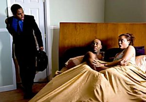 Cheating woman 300x211 - [Screenshots]: Lady Confronts Her Married Lover's Wife