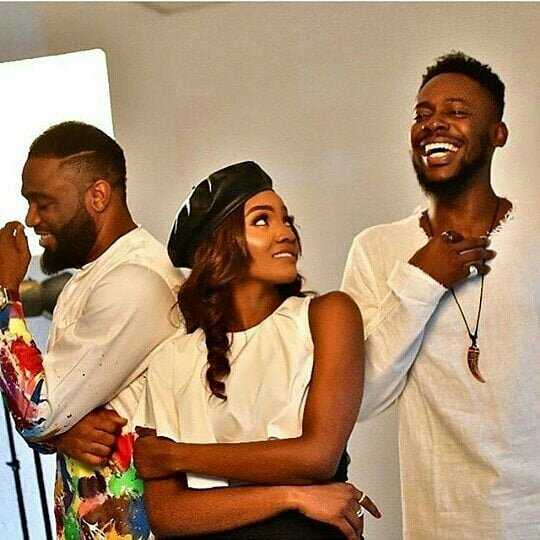 Love In The Air? See The Cute Photo Of Simi And Adekunle Gold That People Are Talking About