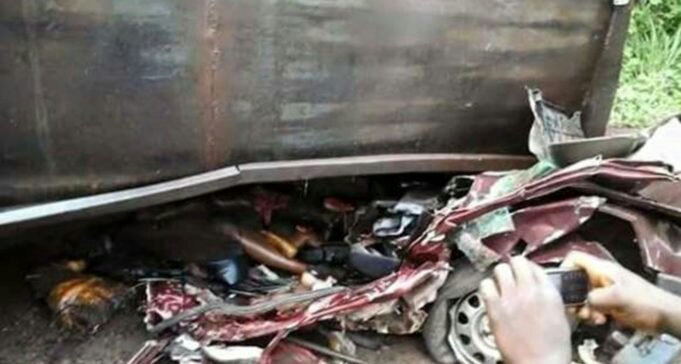 Four Kwara Poly Students Killed As Epileptic Driver Rams Into Trailer After Seizure