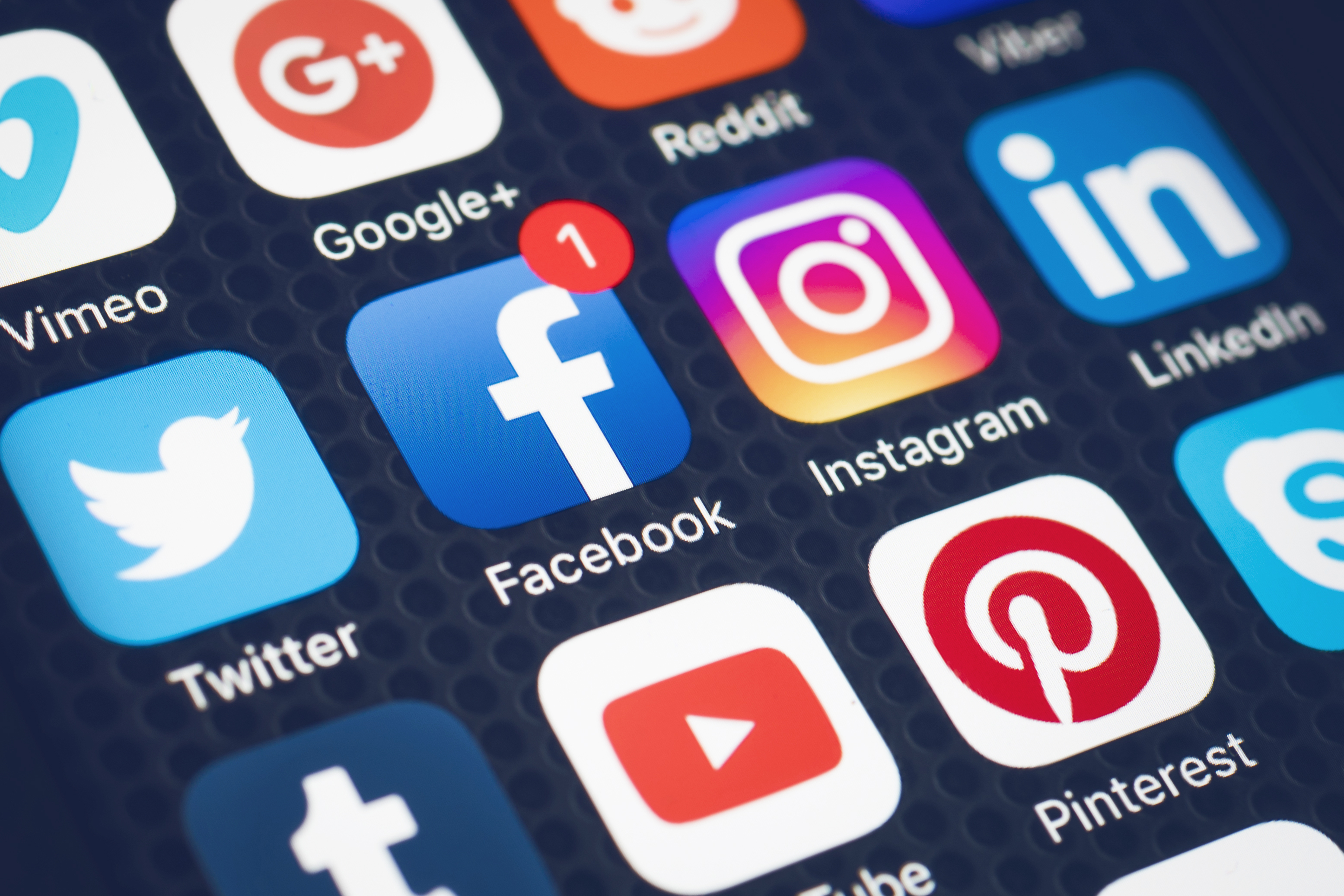 us visa applicants now to submit 5 years of social media activities - 5 types of information you must never give on social media