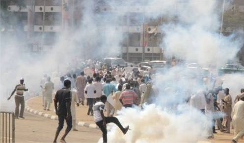 drama as shiite members take corpse of their member to human rights commission in abuja - Several Killed As Shiites Set NEMA Station On Fire In Abuja