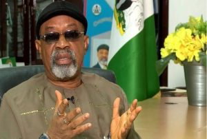 Nigerians Roast Chris Ngige For Saying FG