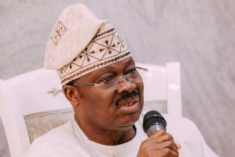Buhari, Sports Minister Celebrate Former Governor Ajimobi At 70