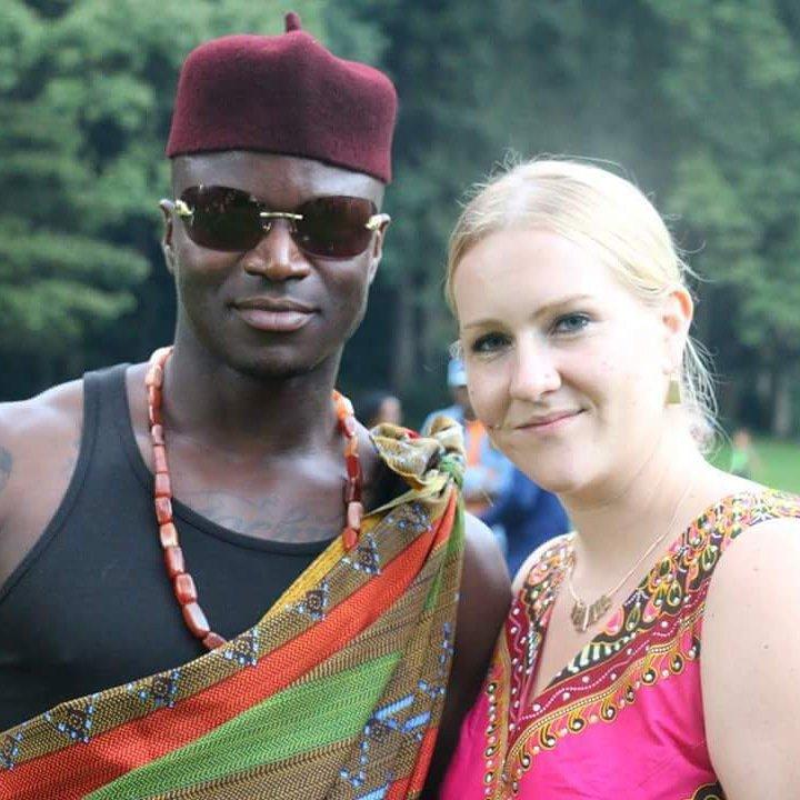 A girl sweet igbo in call names to Nigerian baby