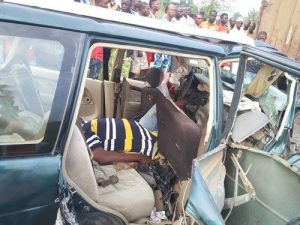 horrific photos from accident scene where 5 people died after 2 cars collided in ogun 300x225 - Rescue Team Rob Accident Victim In Lagos (VIDEO)