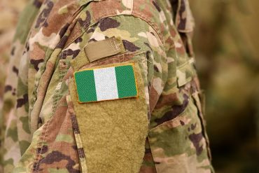 'Dey There Make Pant Dey Wear You' – Soldier Confuses Colleague With Pidgin (Video)