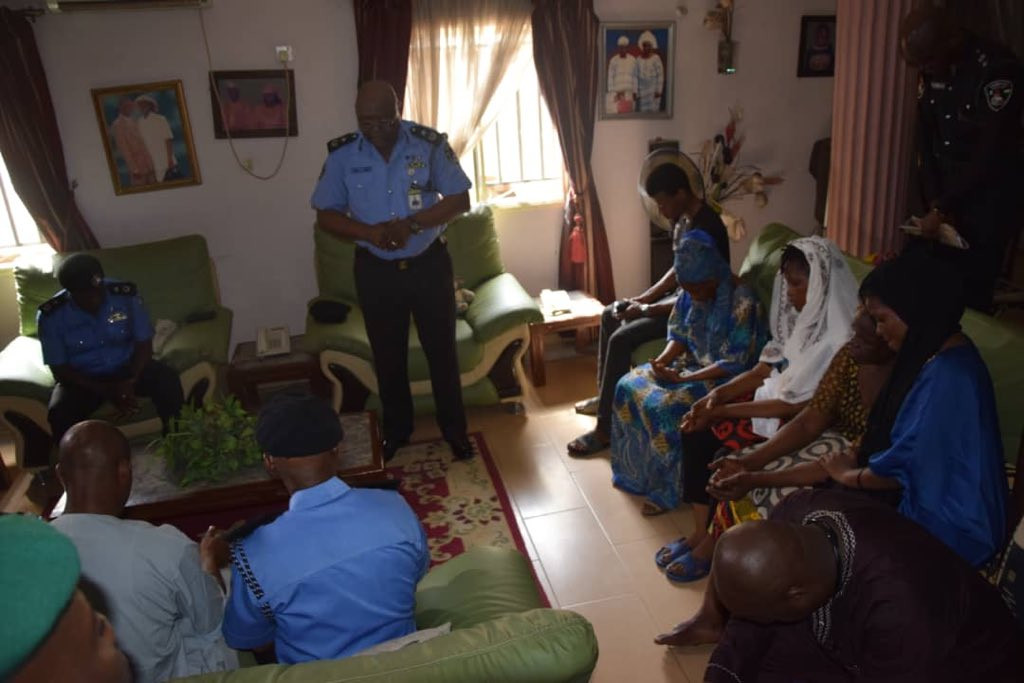 [Photos]: Lagos state police commissioner pays condolence visit to Kolade Johnson's family