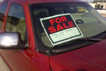 "Putting ""For Sale"" on a vehicle moving on the road is illegal – VIO"
