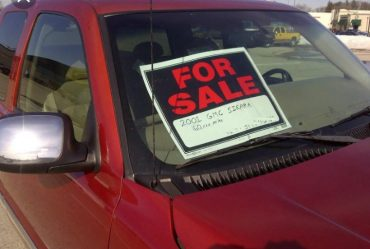 "Putting ""For Sale"" on a vehicle moving on the road is illegal - VIO"