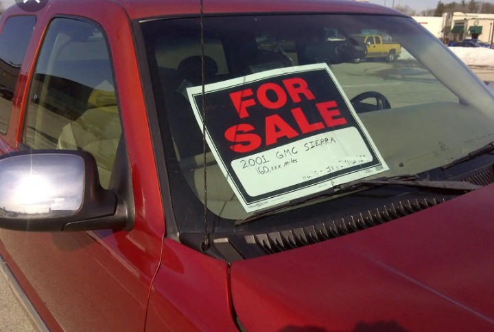 """Putting """"For Sale"""" on a vehicle moving on the road is illegal - VIO"""