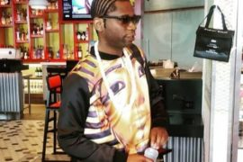 Speed Darlington puts nosy fan in his place
