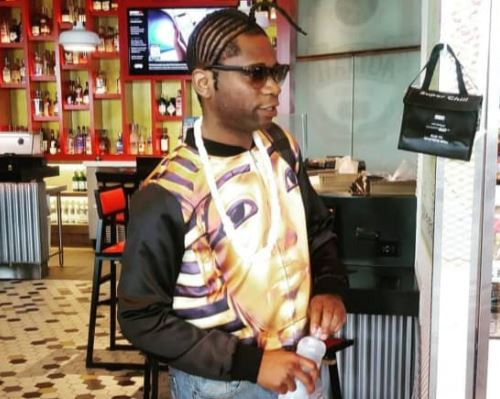 2 15 - Speed Darlington puts nosy fan in his place