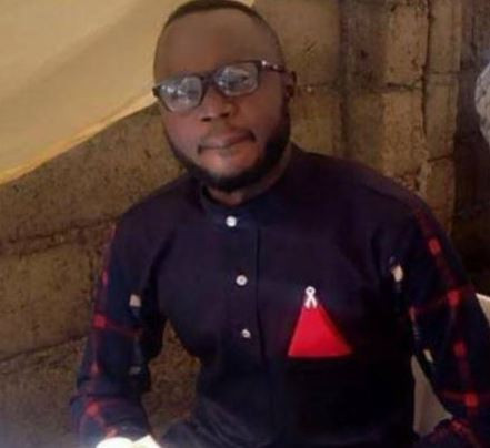 Nigerian journalist arrested for re-posting an article on Facebook