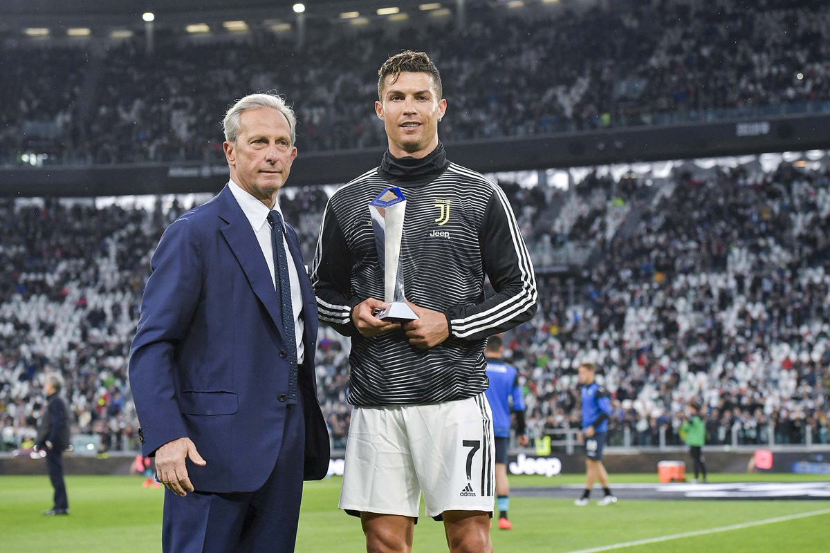 [Photos]: Cristiano Ronaldo receives award for best player in Italy