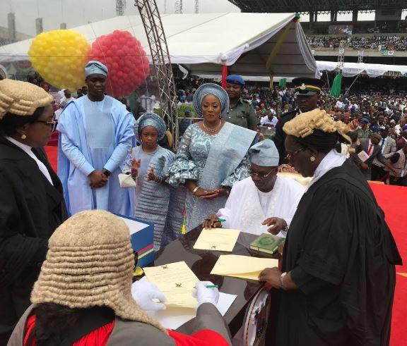 5cee648c39246 - Photos from Babajide Sanwo-Olu's swearing in