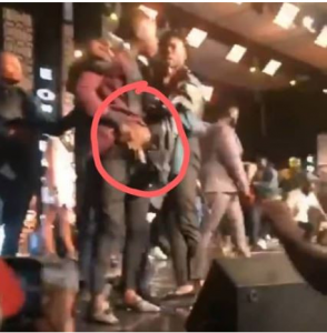 Screenshot 3 294x300 - [Video]: Stonebwoy Pulls A Gun At Shatta Wale At The VGMA Award 2019