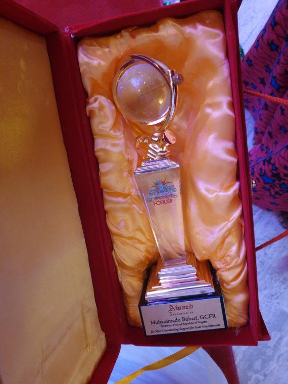 Breaking:President Muhammadu Buhari receives Award from the Progressive Governors Forum