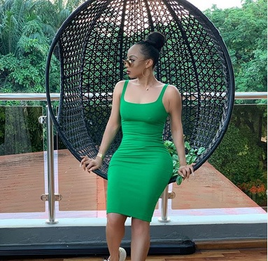 """tok - """"The money green"""" – Toke Makinwa Says As She Shares Sultry Photo"""