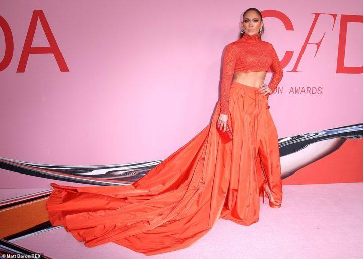 34BF2DFA B321 4BFD 8500 4C1DF5DAC2BD - 2019 CFDA Fashion Awards: JLo, Ciara, others storm event