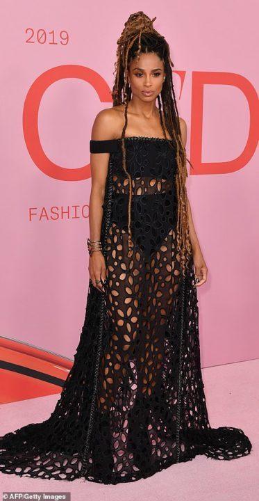 54442FBD 4049 4A17 806B 8F65C1E24759 - 2019 CFDA Fashion Awards: JLo, Ciara, others storm event