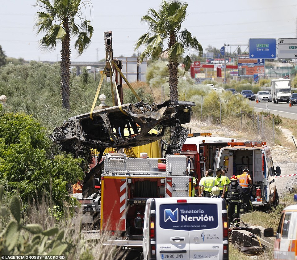 5cf3981726f95 - [Photos]: Images from the crash site Jose Antonio Reyes died surfaces online