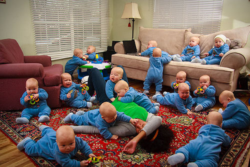 BabyInfestation - American Woman Gives Birth To 17 Identical Boys