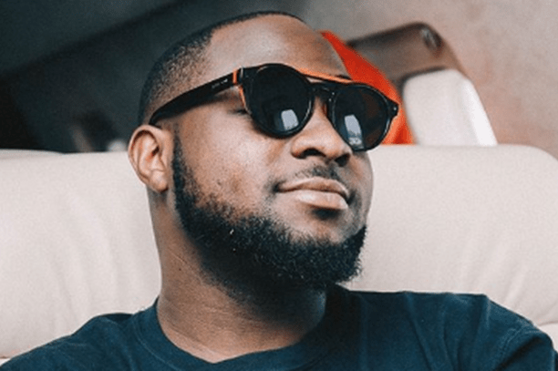 "Social media analyse the ""but"" in Davido's apology to Pamilerin"