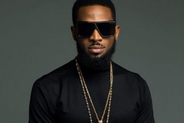 [PHOTO]: Superstar, D'Banj Earns A Silver Play Button From YouTube