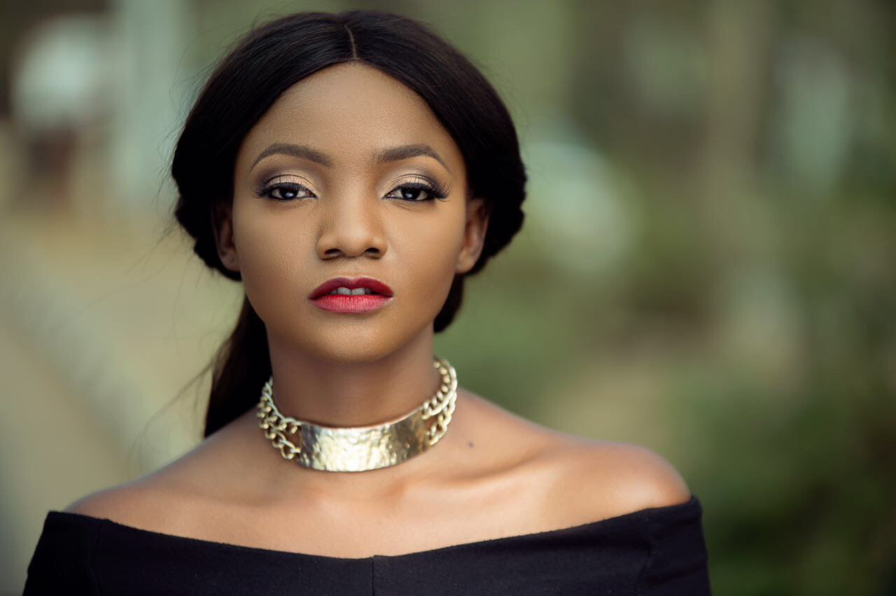 simi - The more desperate Nigerians are to leave the country, the less likely they want us – Simi