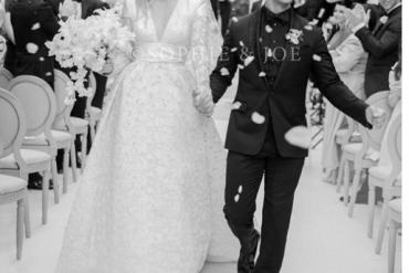 [Photos]: Game Of Thrones Star Sophie Turner and Joe Jonas tie the knot in Paris