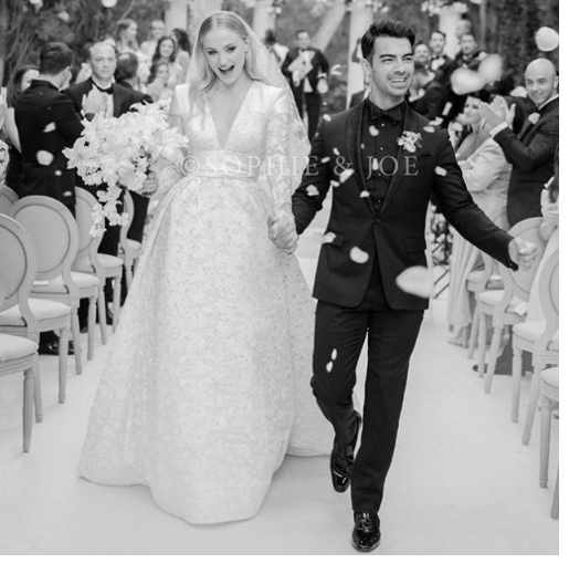 [Photos]: Game Of Thrones Star Sophie Turner and Joe Jonas tie the knot in Paris