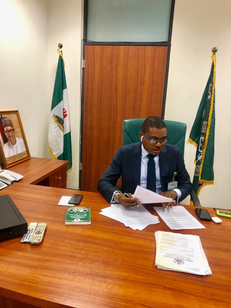 5d1f06b6b7807 - Quilox Nightclub Owner, Shina Peller Shares New Photos From His Office
