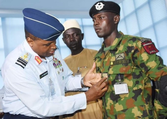 Chief of Air Staff, Sadique Abubakar decorates Bashir Usman