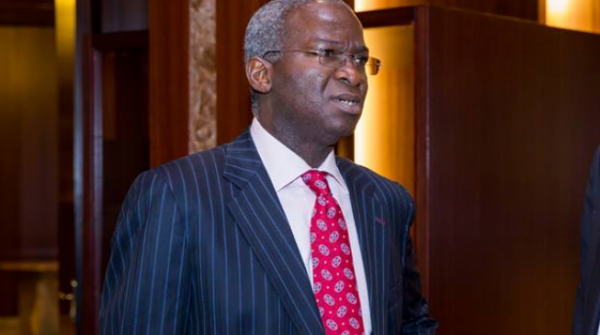 Fashola: 2nd Niger Bridge Will Be Completed In 2022