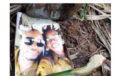 Man Finds Couple's Photo Locked Inside A Bottle With N10 Note In Abuja River