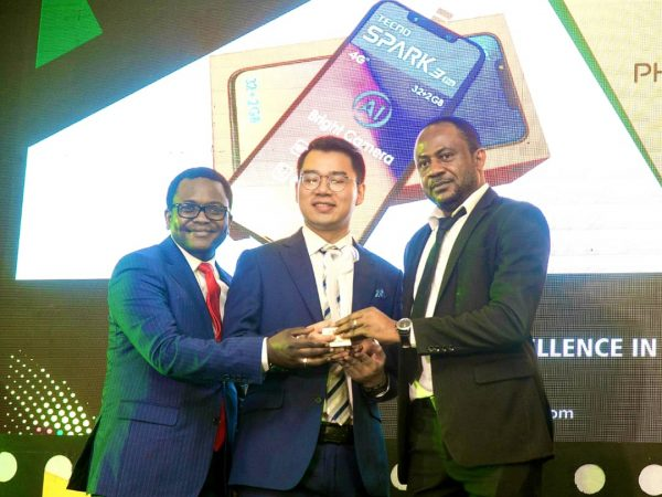 TECNO WINS AITTA Phone Award 600x450 - TECNO Spark 3 wins AITTA Phone of the Year