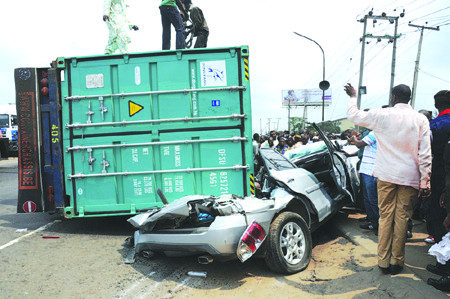 3 Confirmed Dead As Container Falls Off A Truck In Ogun State