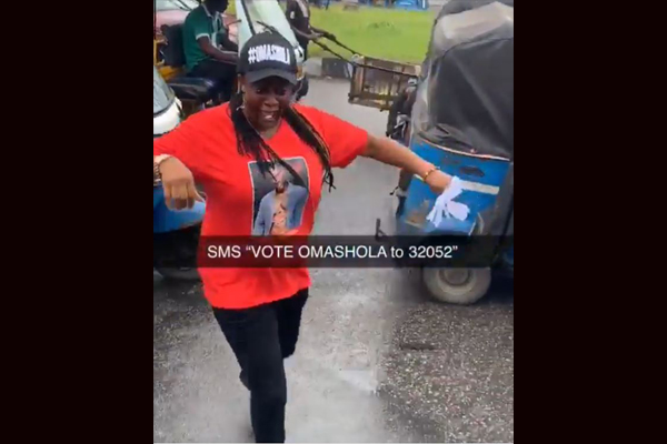 10041171 omatshola3 jpeg15ef427a6438790acf62bfab2292d8dc - BBNaija2019: Omashola Fans Take Campaign To The Street (Video)