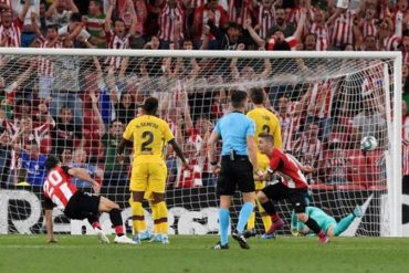Aduriz Stunner Condemns Champions Barcelona To Opening-Day Defeat