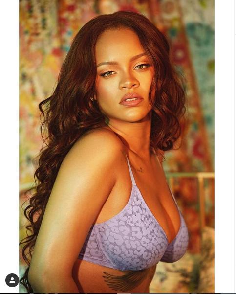 [Photos]: Rihanna Oozes Major Sex Appeal In Lingerie