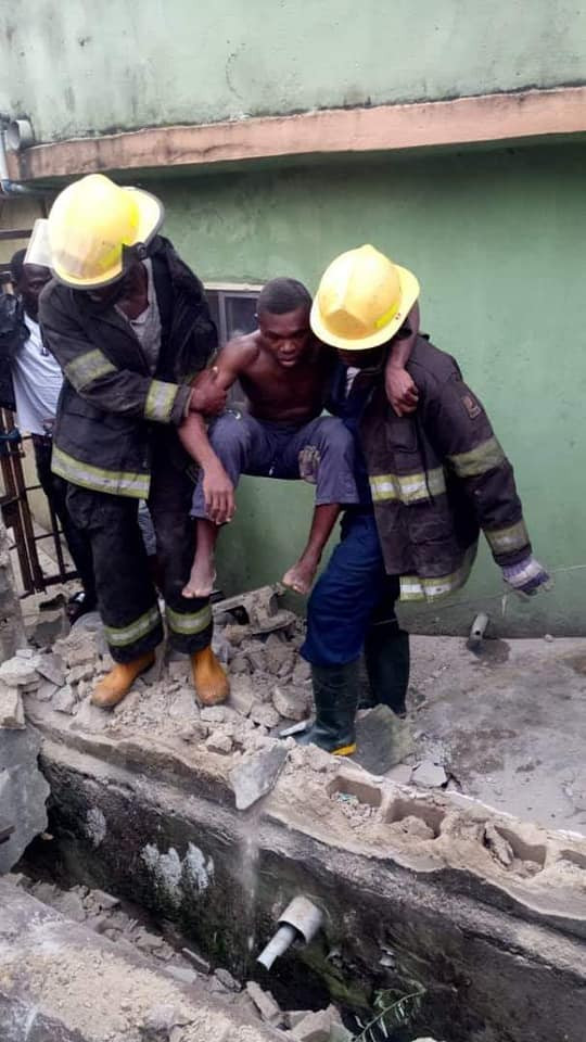5d42ae822bebe - [Pictures] Another Building Collapses In Lagos