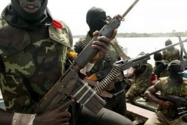 BREAKING: Gunmen Attack Police Station In Enugu